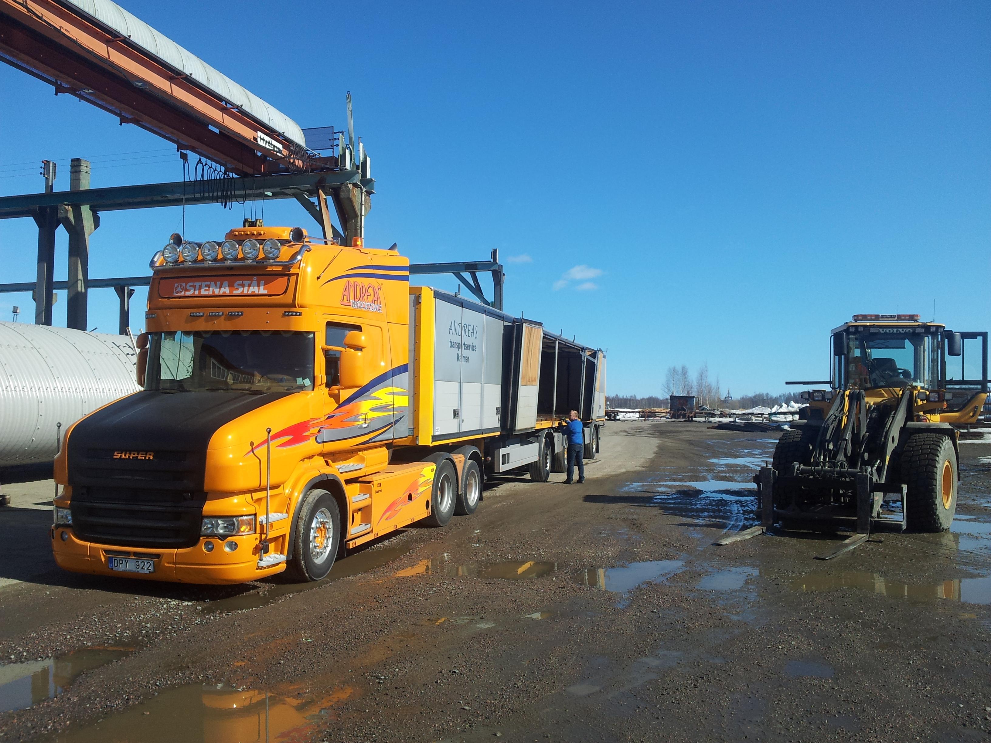 Lossning av stål från Andreas Transportservice