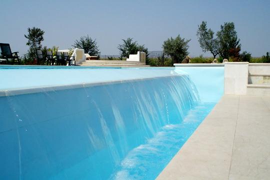 Dettagli esclusivi delle piscine a sfioro zavatti - Piscina interrata piccola ...