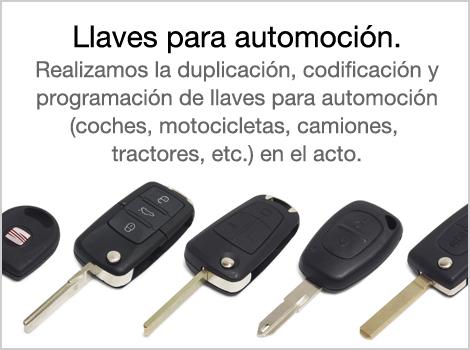 Realizamos la duplicación, codificación y programación de llaves para automoción (coches, motocicletas, camiones, tractores, etc.) en el acto.