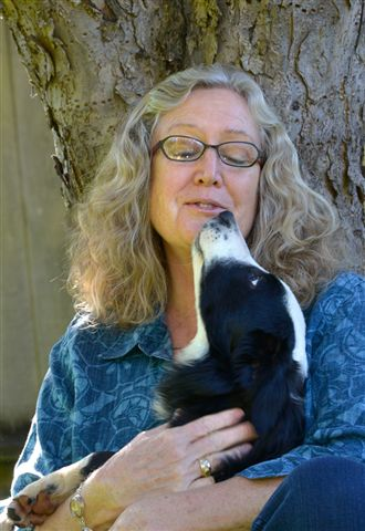 Linda Wahlund with a happy dog