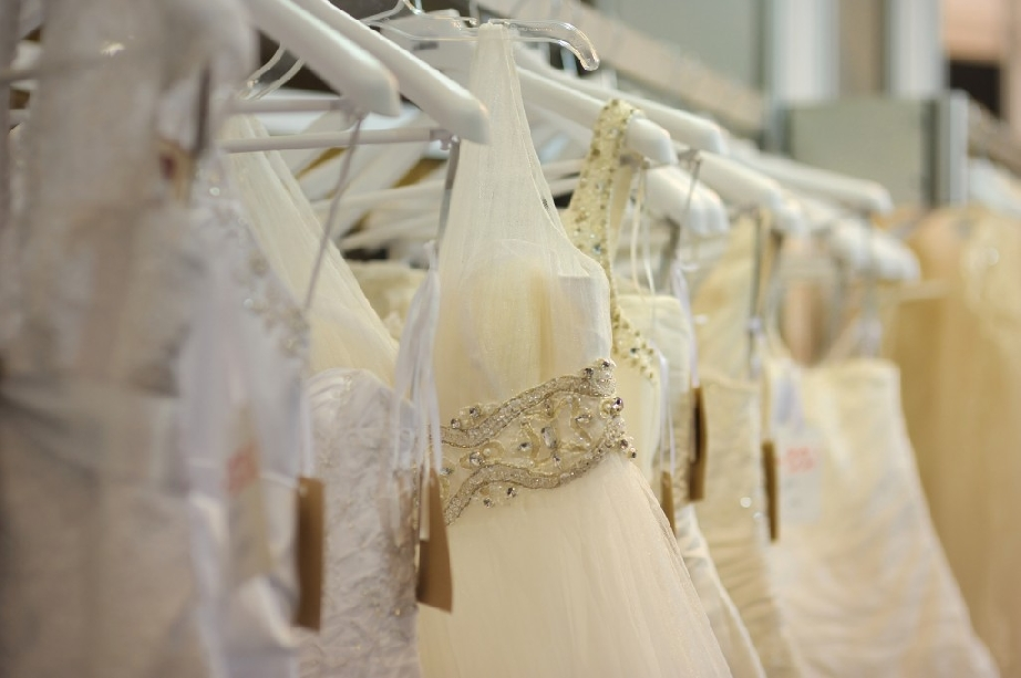 wedding dress dry cleaners