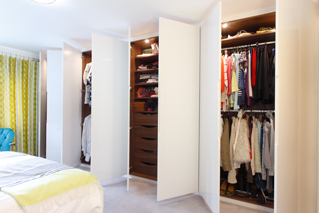 High Gloss Bespoke Fitted Wardrobes With Walnut Internals